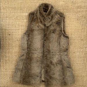 Faux fur vest, Banana Republic, XS